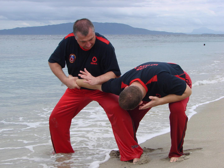 Урок по филипинским боевым искусствам